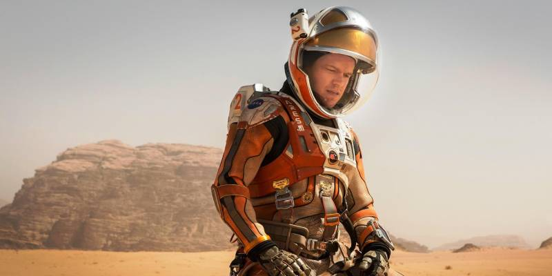 Марсианин (кадр из фильма).