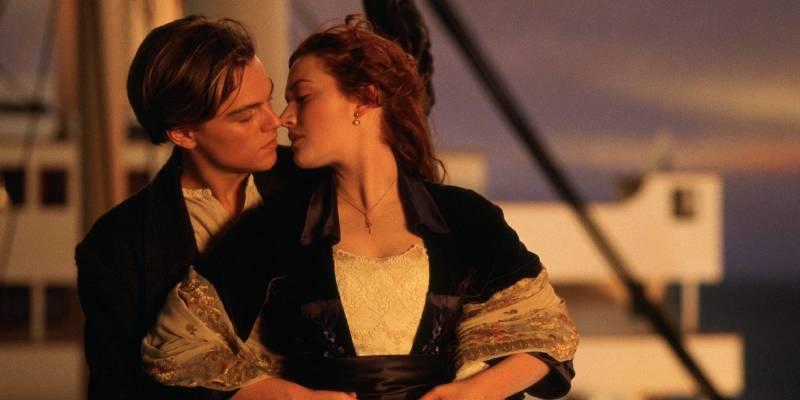 Титаник (кадр из фильма).